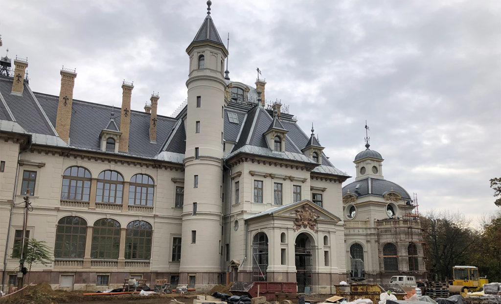 THE RECONSTRUCTION OF THE SCHOSSBERGER CASTLE OF TURA